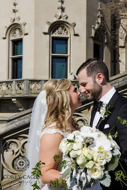 kiss at Biltmore | Corey Cagle Photography