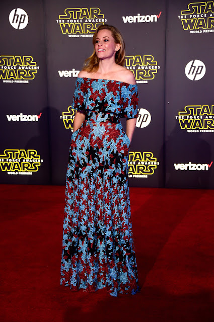 "Actress, @  Elizabeth Banks - premiere of ""Star Wars: The Force Awakens"" in Hollywood"