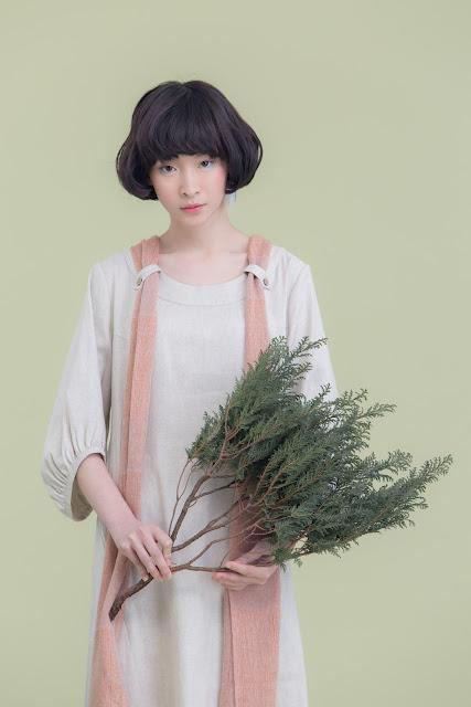 流光瞬息附圍巾七分寬袖棉麻洋裝