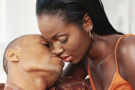 Guys, Listen Up: These are 7 Places She Wants You To Kiss Besides Her Lips Black couple kissing 2