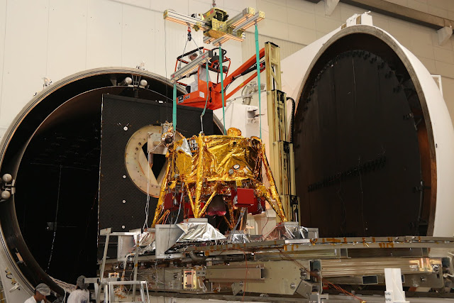 Bereshhet entering the Vacuum Chamber. Credit IAI