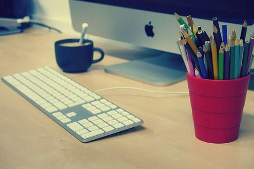 Estagiário Marketing São,Paulo,SP - Trabalho home office com média de 1-2 idas ao escritório por semana Bolsa Auxílio de R$ 1.500,00 + despesas com internet e telefonia - Preferência para quem tem o idioma inglês.