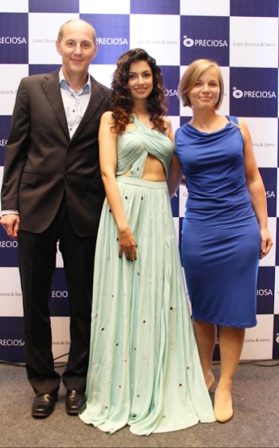 Mr. Lubos Petrzlka (Sales Director) with Bollywood Actress Divya Khosla Kumar & Ms. Karolina Jonasovs (Marketing Manager), Preciosa