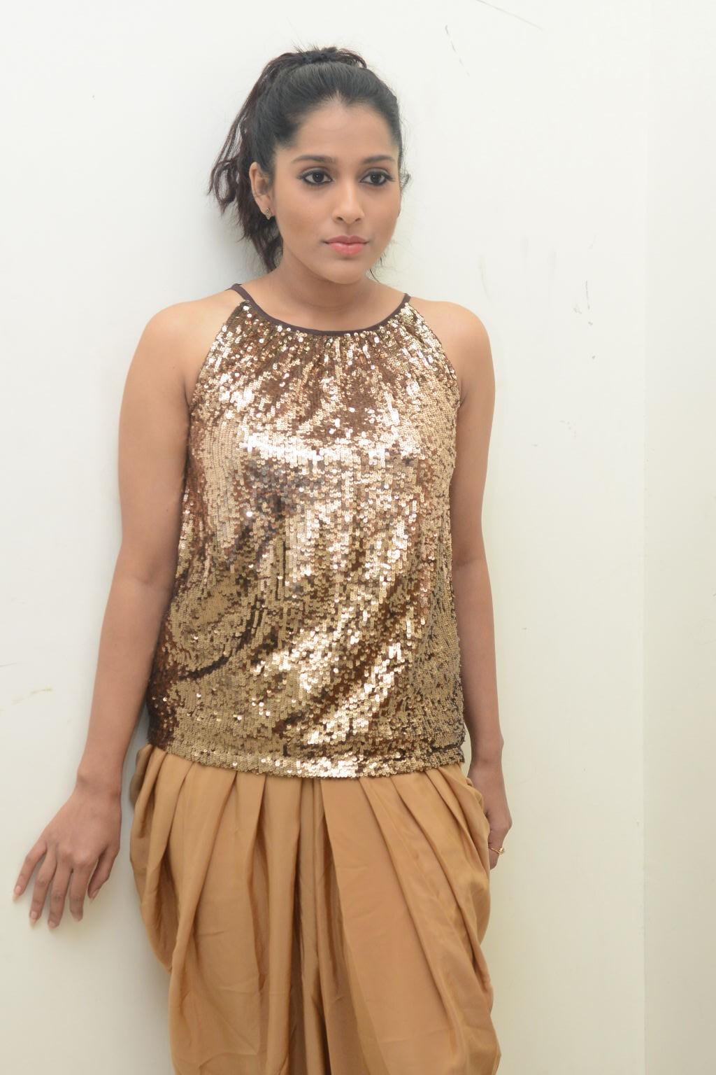 Tollywood Hot Anchor Rashmi Gautam Photo Shoot Gallery In Yellow Dress