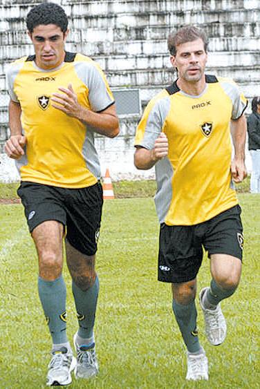 ... para ser o companheiro do quarentão Túlio Maravilha no Botafogo-DF. Nos  19 jogos que disputou pelo campeonato brasiliense 53e45ec836ac9