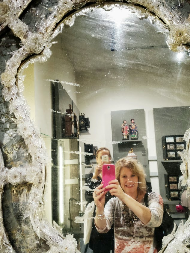 Travel writer Leigh Hines taking a selfie in 18th Century Murano Glass Mirror