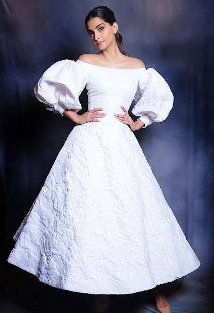 Sonam Kapoor at Veere Di Wedding Trailer Unveiling