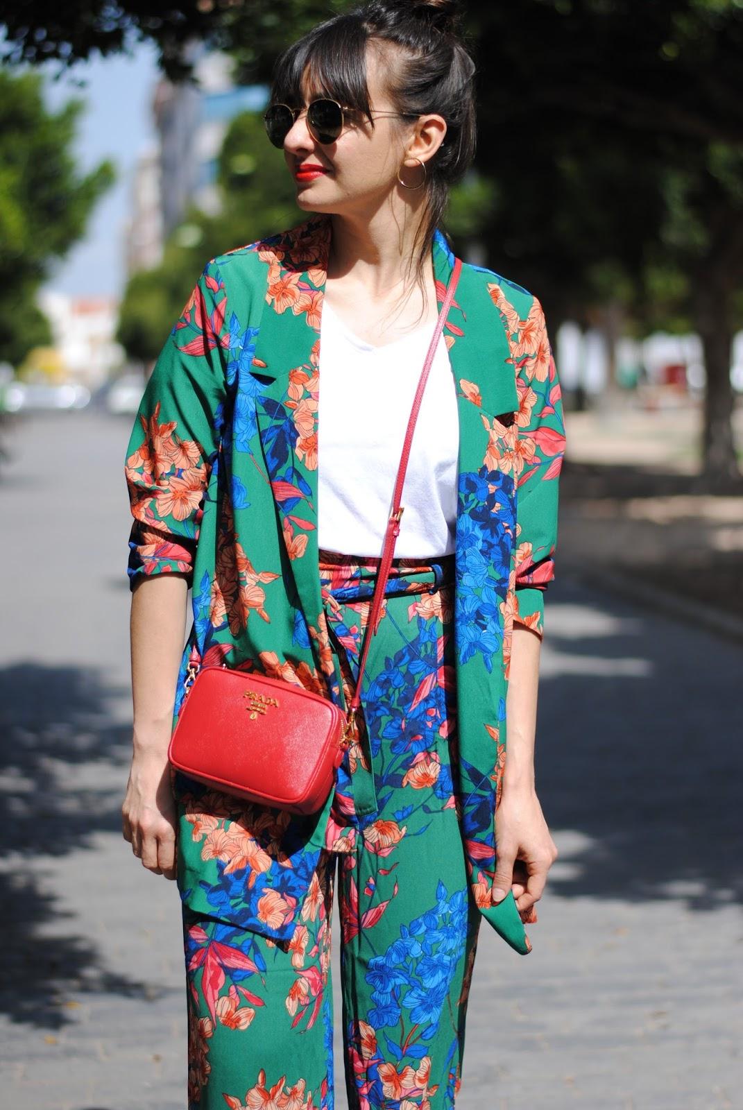 look traje flores