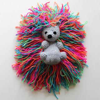 http://www.crochetforchildren.com/2016/08/HedgehogPunkWithTheRainbowSpines.html?m=1