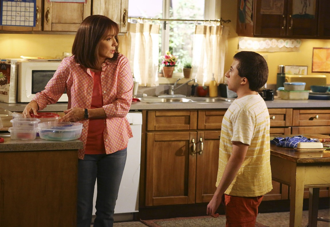 The Middle - Season 6 Episode 23: Mother's Day Reservations