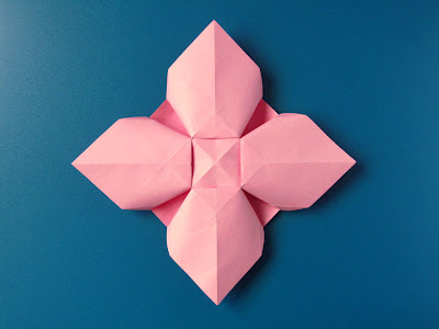 Origami Fiore quadrato, retro - Square Flower, back,  by Francesco Guarnieri