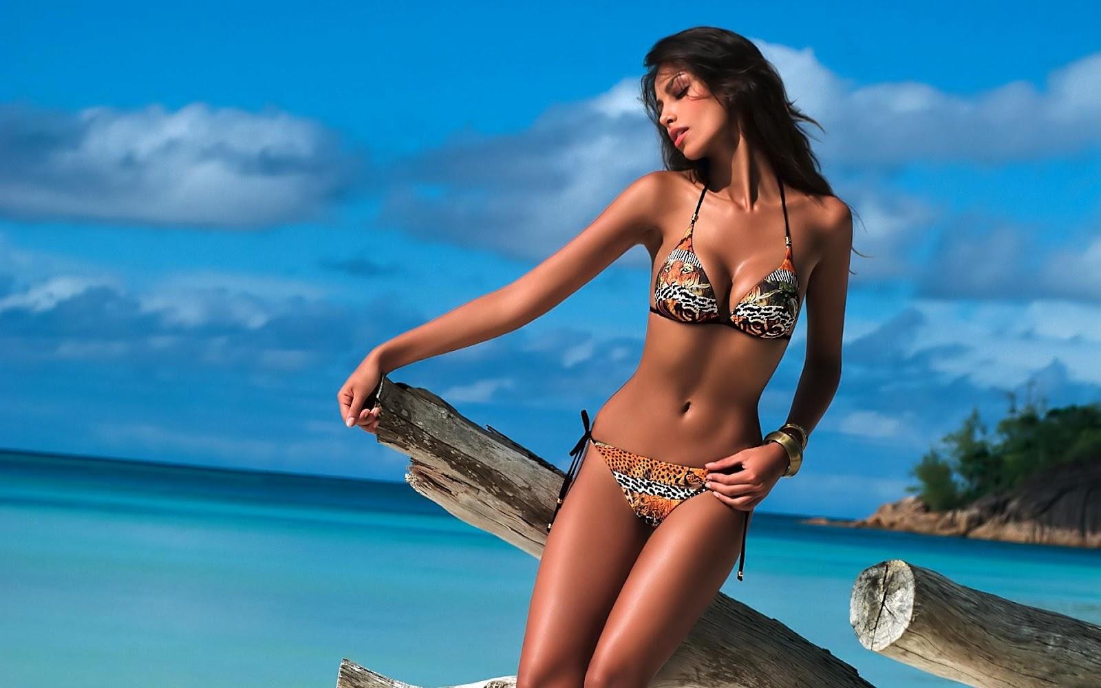 Bikini Girls | Desktop Wallpapers