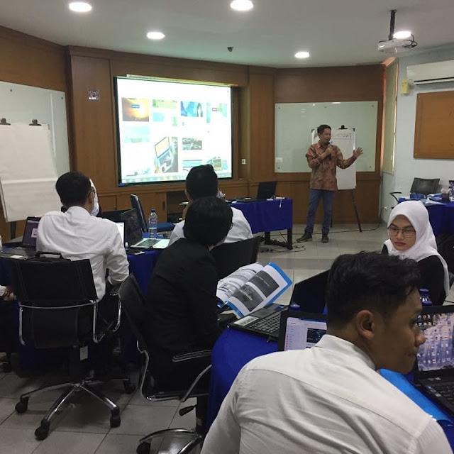 Training Social Media Marketing Tools Bersama Karyawan Bank Mandiri.