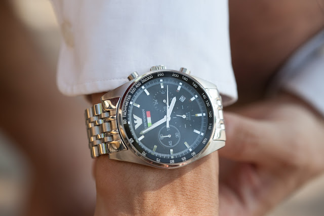 Đồng hồ Armani nam dây sắt đáng mua nhất 2016