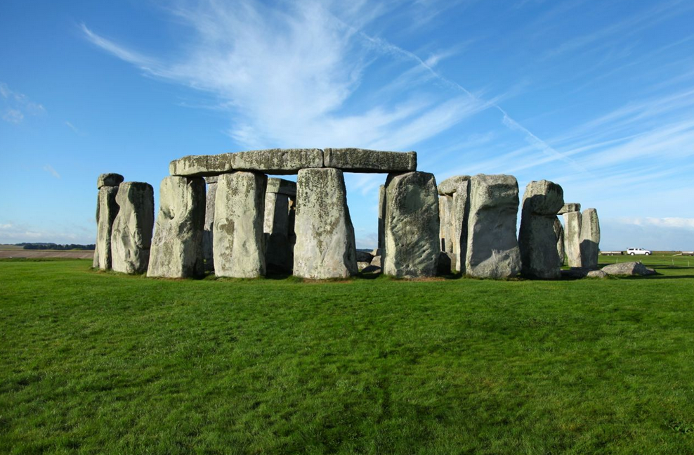 Welcome to Britain's Greatest National Icon: STONEHENGE