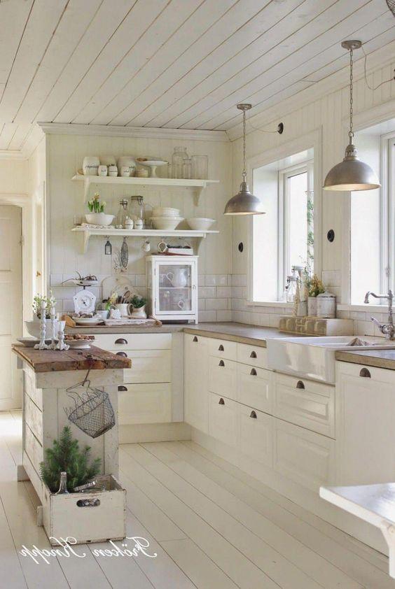 Biała kuchnia w stylu wiejskim, vintage, retro