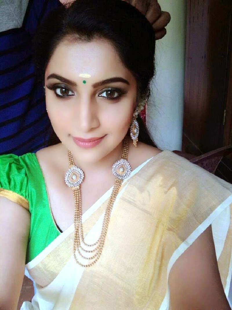 Vaigha Takes Selfie Event Snaps, She Is Searing Hot-9143