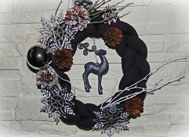 świąteczna dekoracja z reniferem