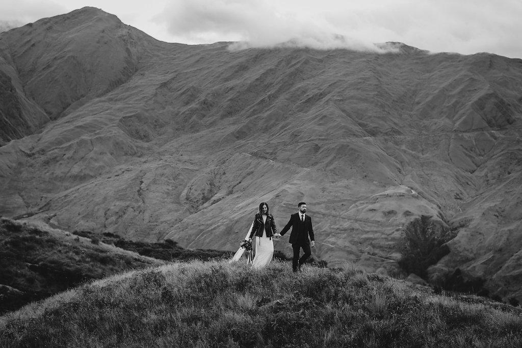 LOVE: KELLY AND CHRIS   WANAKA ELOPEMENT WEDDING NEW ZEALAND