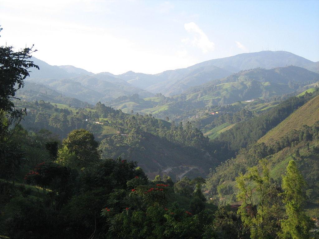 Vista de la geografia del Corregimiento de San Antonio de Prado, Medellín, Colombia. Fonte: https://commons.wikimedia.org/wiki/File:San_Antonio_de_Prado-Geografia.JPG