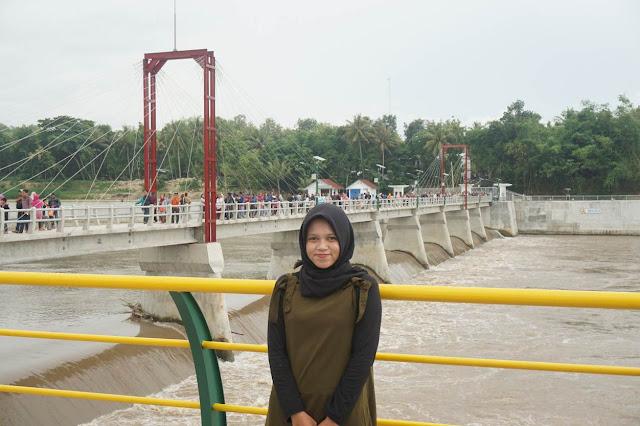 Wisata taman bendungan kamijoro menjadi salah satu iconic Bantul lagi Wisata Baru Bendungan Kamijoro Kaprikornus Taman Indah di Pinggir Sungai Progo