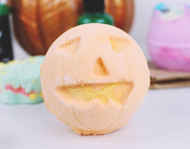 Lush Pumpkin Bath Bomb Review