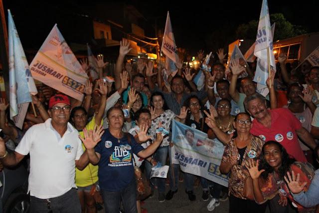 Jusmari faz caminhada no bairro São Pedro e recebe elogios pela obra do saneamento básico