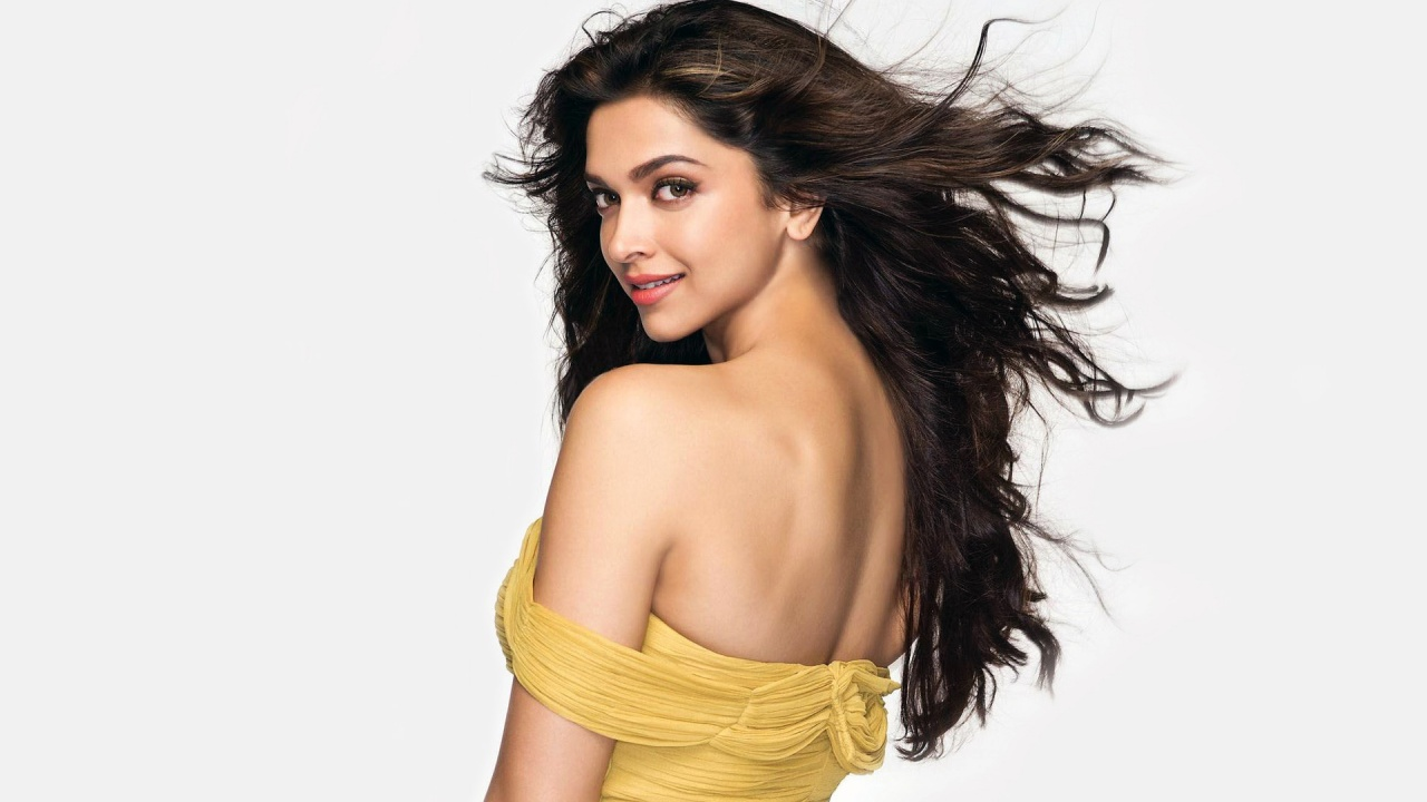 Deepika Padukone Hot Wallpapers Download  Hot And Sexy -8785
