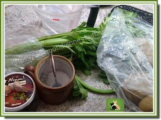 Vie quotidienne de FLaure : Soupe, au céleri branche, pomme de terre, ail et agrémentée de cancoillotte