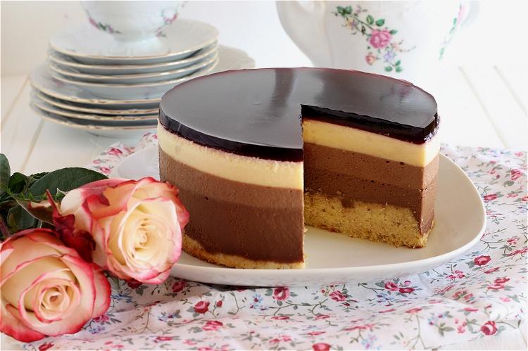 Triple Schokoladentorte mit Johannisbeerkick 4