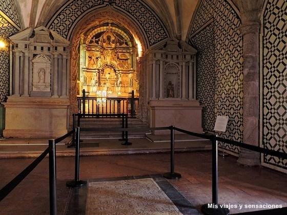Interior de la capilla del Palacio da Pena, Sintra, Portugal