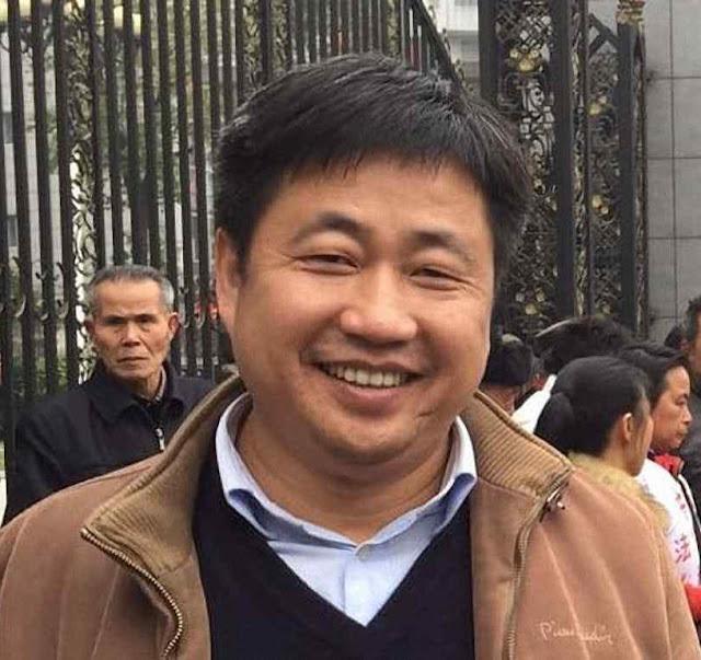 O advogado Xie Yang antes de ser preso 'Teu único direito é obedecer' diziam os guardas.