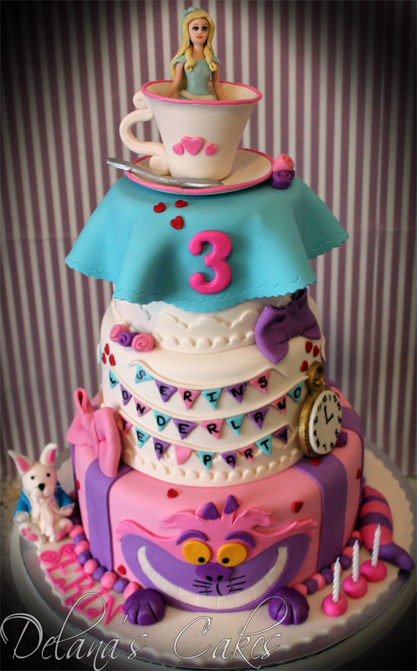 Delana S Cakes Alice In Wonderland Cake