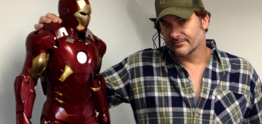 Shane Black şi Iron Man în miniatură
