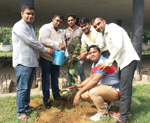 yogesh-bhati-celebrate-his-birth-day-with-plantation-at-nehru-college-faridabad
