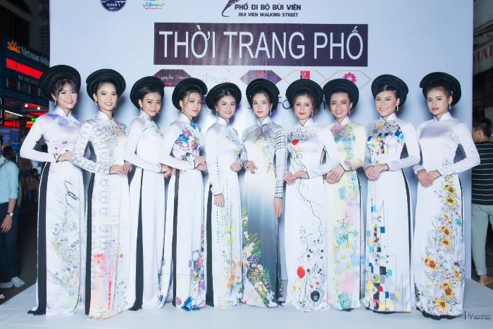 Top 20 Miss HUTECH 2019 khoe nét thanh xuân trong BST Hoa Cúc của NTK Việt Hùng
