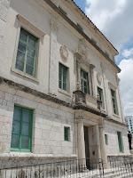 Fachada del ayuntamiento de Coral Gables