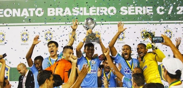 Macaé festeja título da Série C do Brasileirão