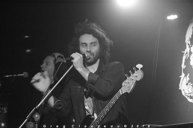 le bassiste Olivier Brossard