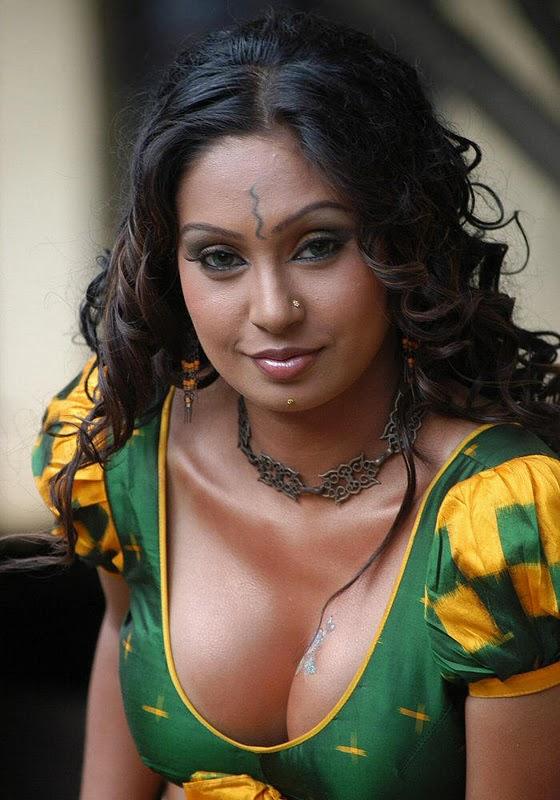 South Spice: Simran Khan Hot
