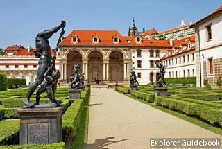 Tempat wisata terkenal di Praha Prague Ceko populer Wallenstein Palace Prague Praha