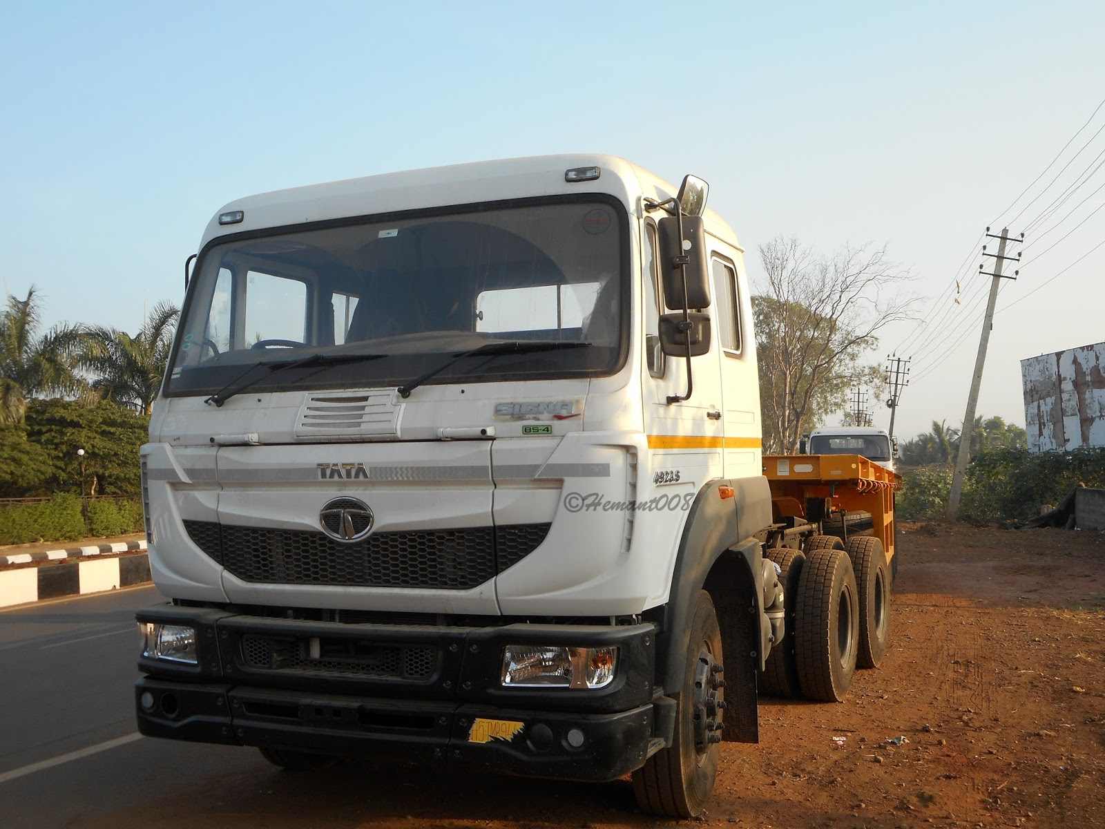 Hemant AutoclickZ : Brand new Tata Signa 4923.S Tractor Trailer With Tata DLT Trailer