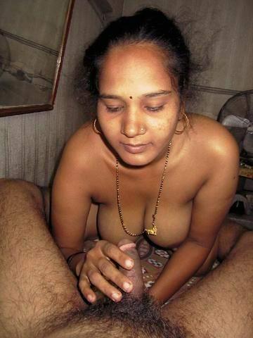 telugu aunty saree