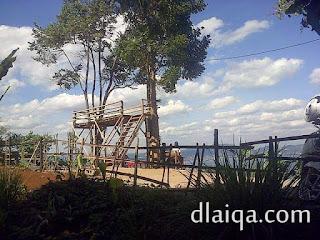 siap-siap menikmati pemandangan Teluk Lampung dari atas bukit