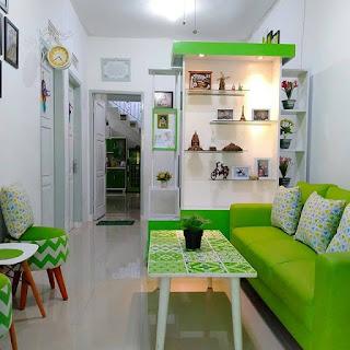 dekorasi ruang keluarga warna hijau