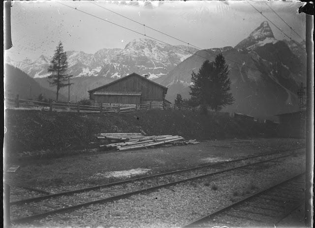 Foto vom Bahnhof Ehrwald Richtung Sonnenspitze und Rauher Kopf - um 1914-1920