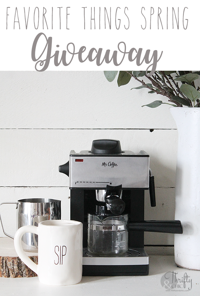 Favorite things giveaway! Join 14 bloggers as they share their favorite things with you!