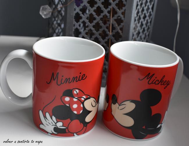 Tazas Rojas de Minnie y Mickey de PRIMARK