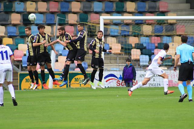 Fútbol | Un Barakaldo sin nada a lo que aspirar se enfrenta a un Fuenlabrada en zona de play off