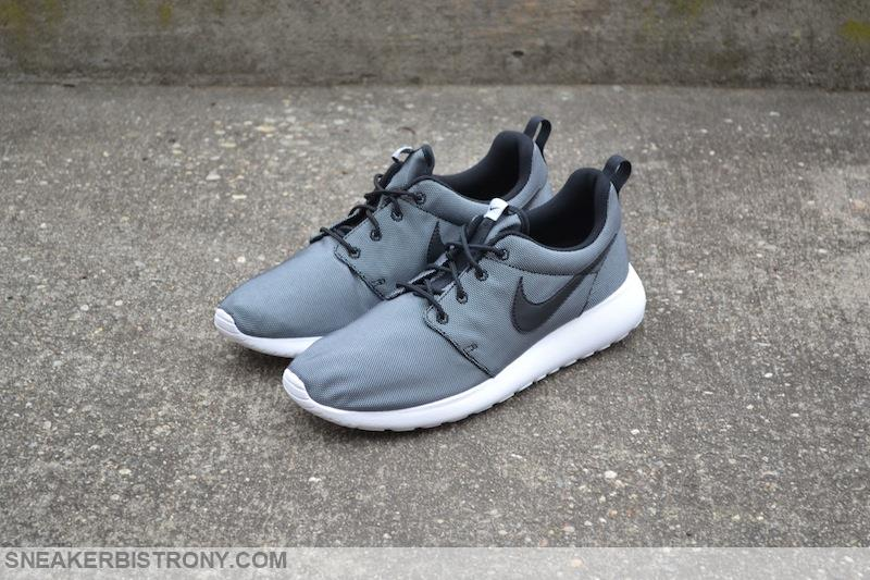 buy popular 22a25 ce916 Nike Roshe One Premium